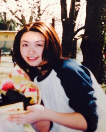 27歳のわたし。クルクルパーマにする前。性格キツそうな美人だなあ。